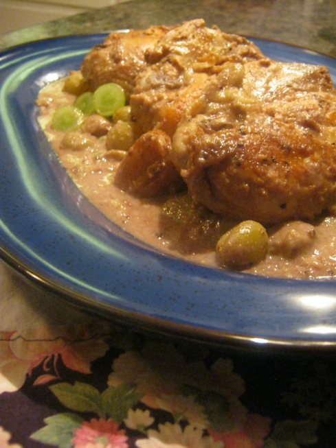 chicken with grapes and pecans