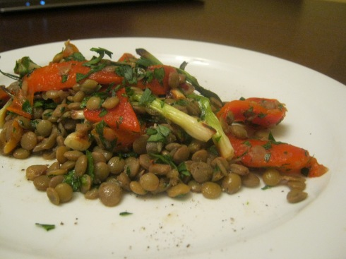grilled onion, pepper and lentil salad